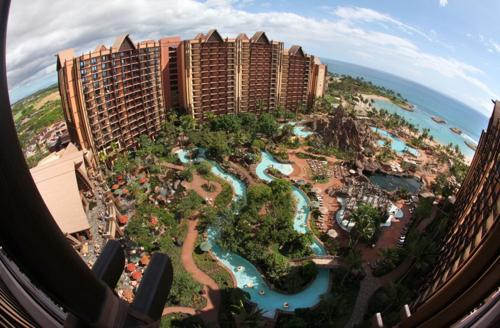 The 7 Best Swimming Pools in the World for kids. No.6 Aulani-A Disney Resort, Hawaii http://mumsdays.com/best-swimming-pools-kids/