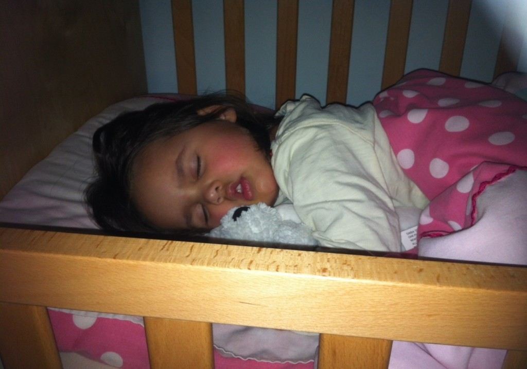 Sleep problems in toddlers - how to sleep train using a reward chart: http://mumsdays.com/sleep-problems-in-toddlers/