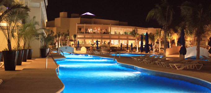 The 7 Best Swimming Pools in the World for kids. No.5 Azul Sensatori, Mexico http://mumsdays.com/best-swimming-pools-kids/