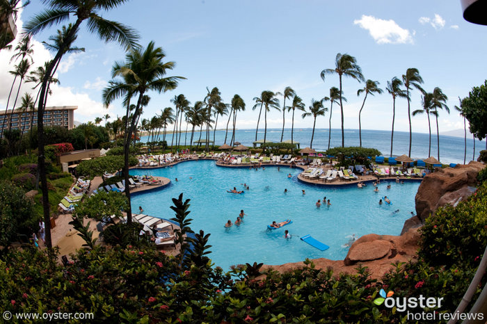 The 7 Best Swimming Pools in the World for kids. No.4 Hyatt Regency Maui resort http://mumsdays.com/best-swimming-pools-kids/
